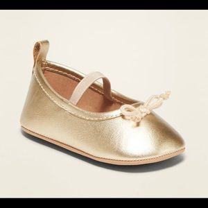4/$25 Old Navy Faux Leather Ballet Flats in GOLD